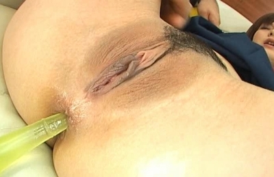 Unsatisfied Asian babe gets her pussy stretched and anal inserted