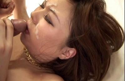 Girls in bikini Minami Mizuhara and Saki Ogasawara on Asian anal porn